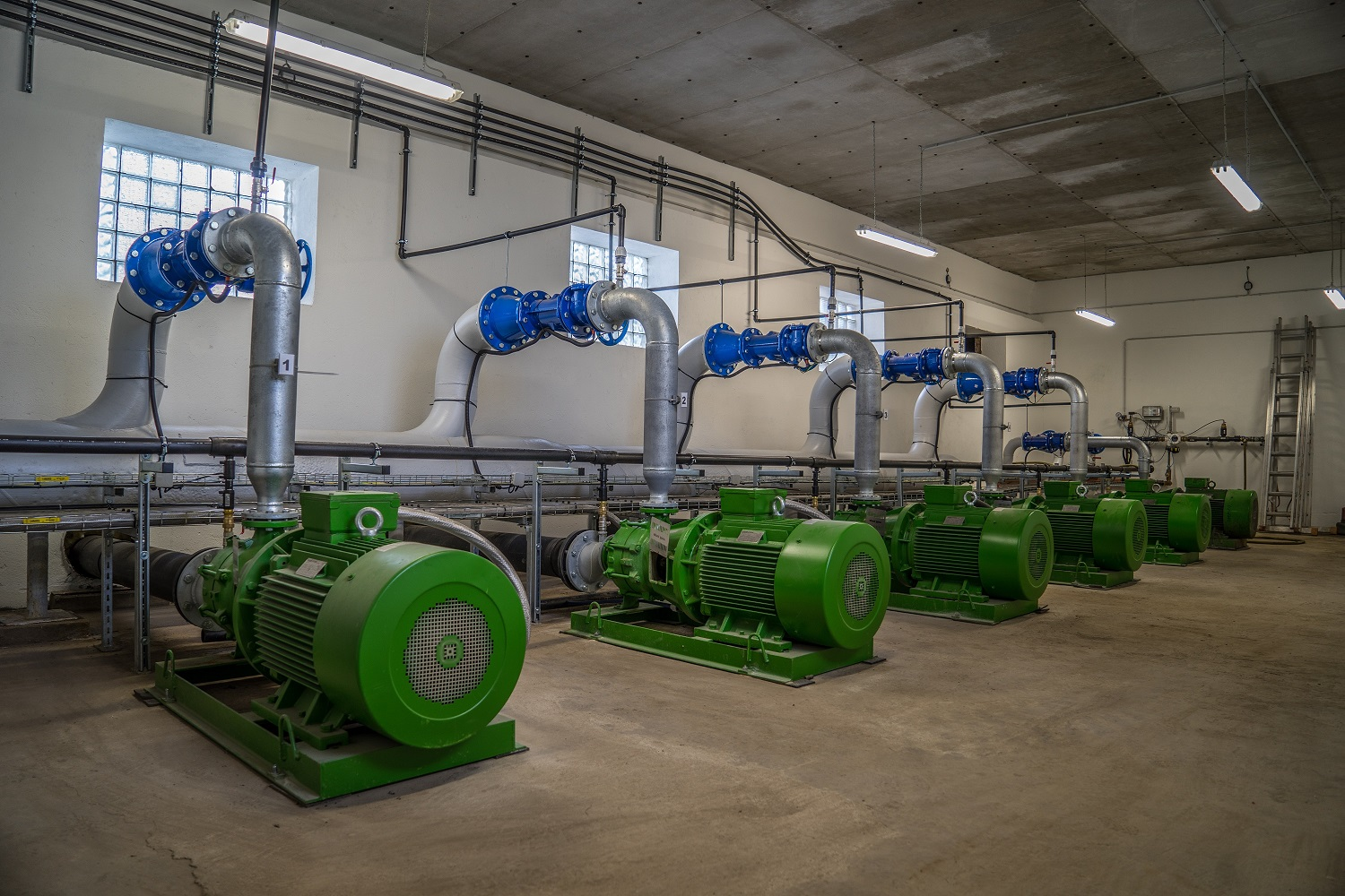 Hydro Air Damsdorf Pumpenstation 75KW Pumpen Steuerung Raindancer App Steuerung Total
